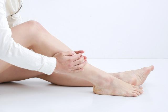 むくみ(浮腫)が出た足、痛い